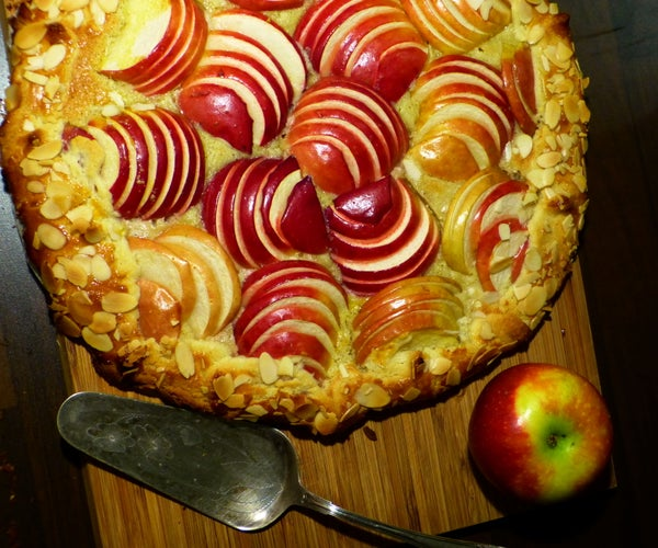 French Apple Pie - Crumbly Crunchy Delicious!