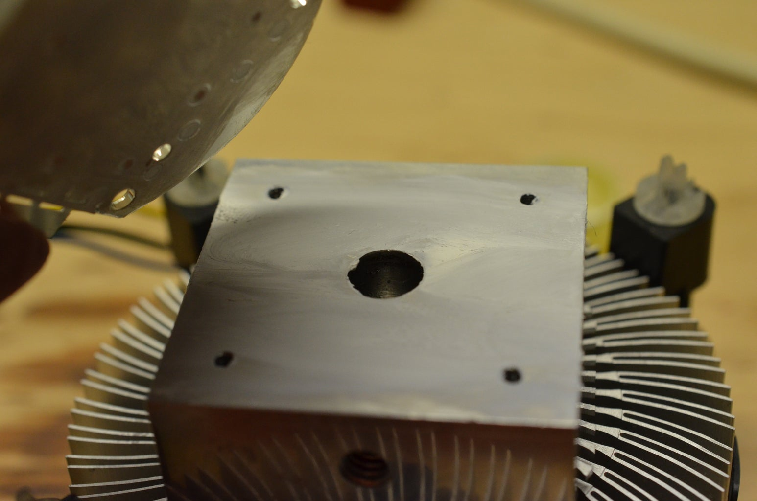 Attach the Mounting Plate, Heatsink, and LED Plate Together