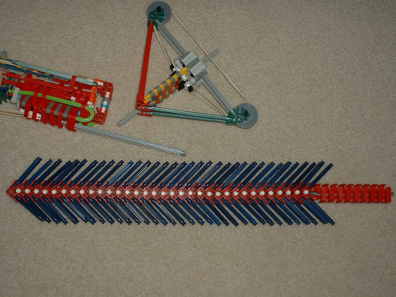 Flexable knex sword