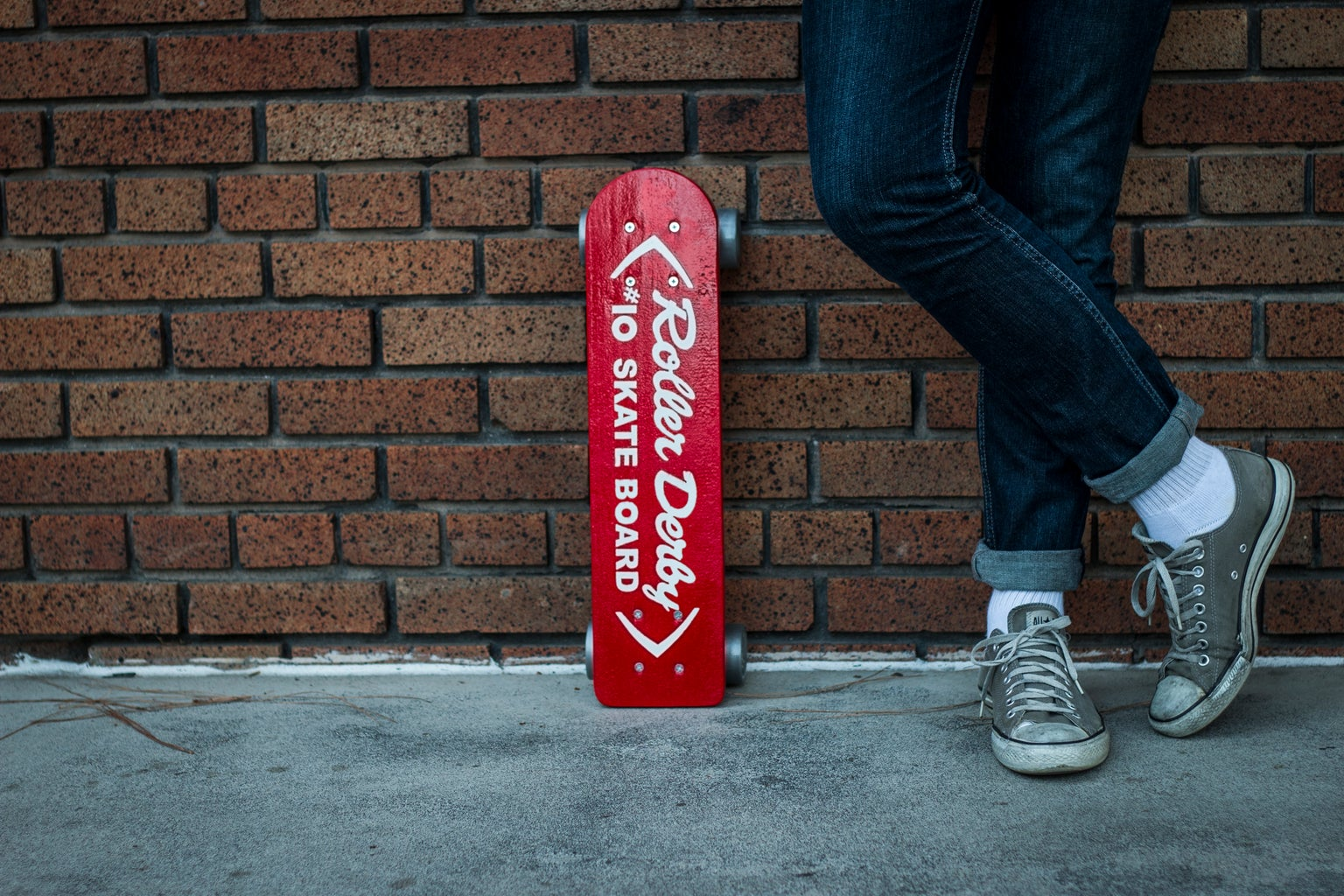 Gawking at Your Awesome Vintage Skateboard