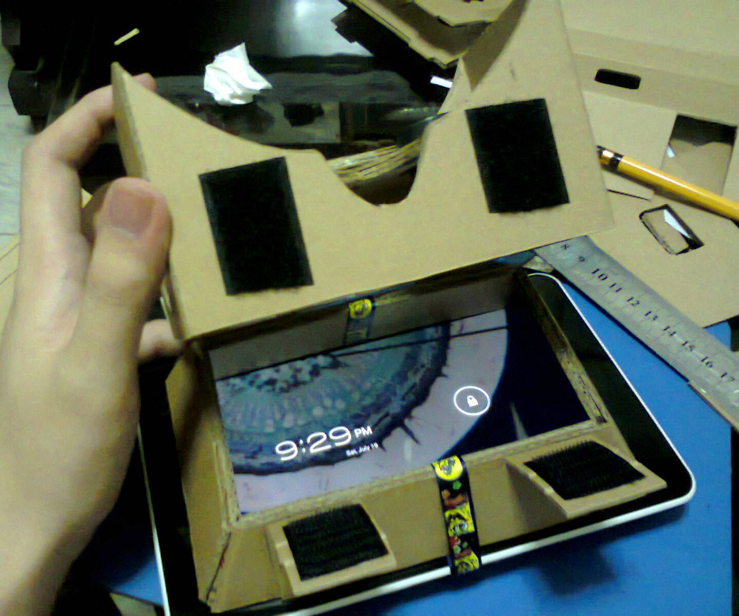 Google Cardboard HMD for Tablet