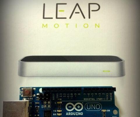 Controlling Arduino Car Via Leap Motion