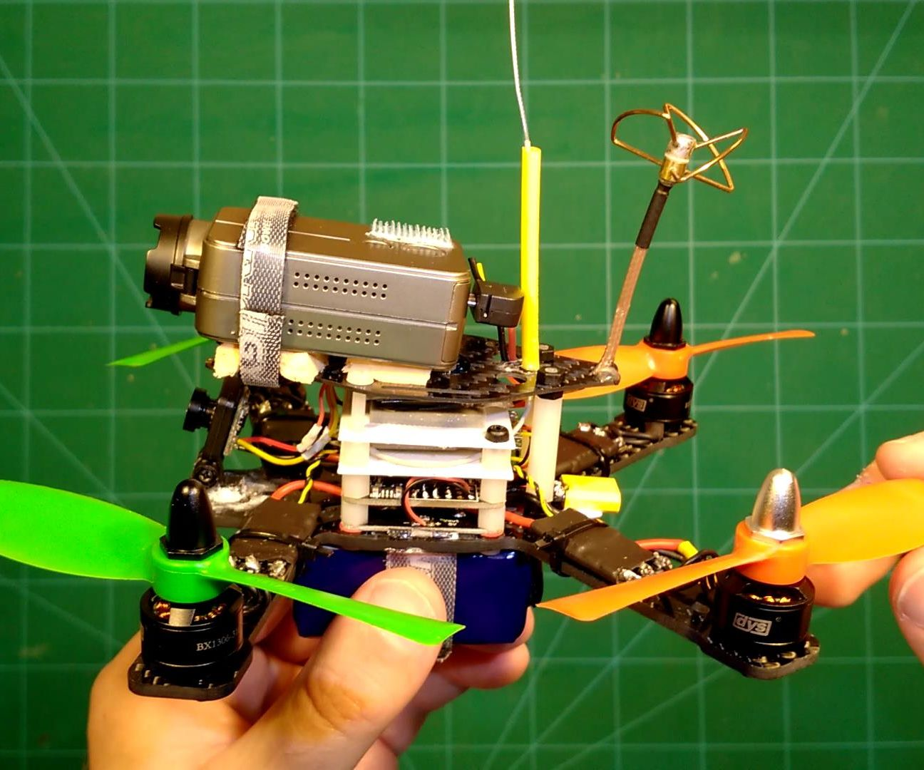 Sub 250g FPV Quadcopter with over 11 minutes Flight Time
