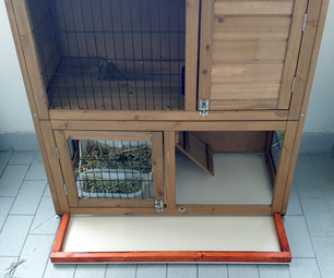 Cleaning Tray for an Outdoor Hutch.