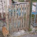 A simple pallet gate