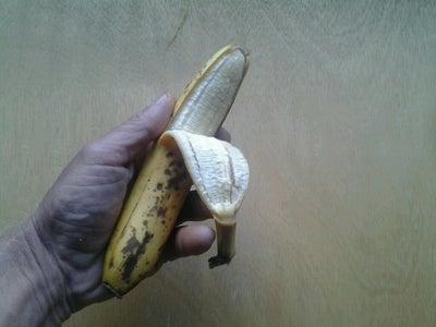 Peel 1/2 the Banana