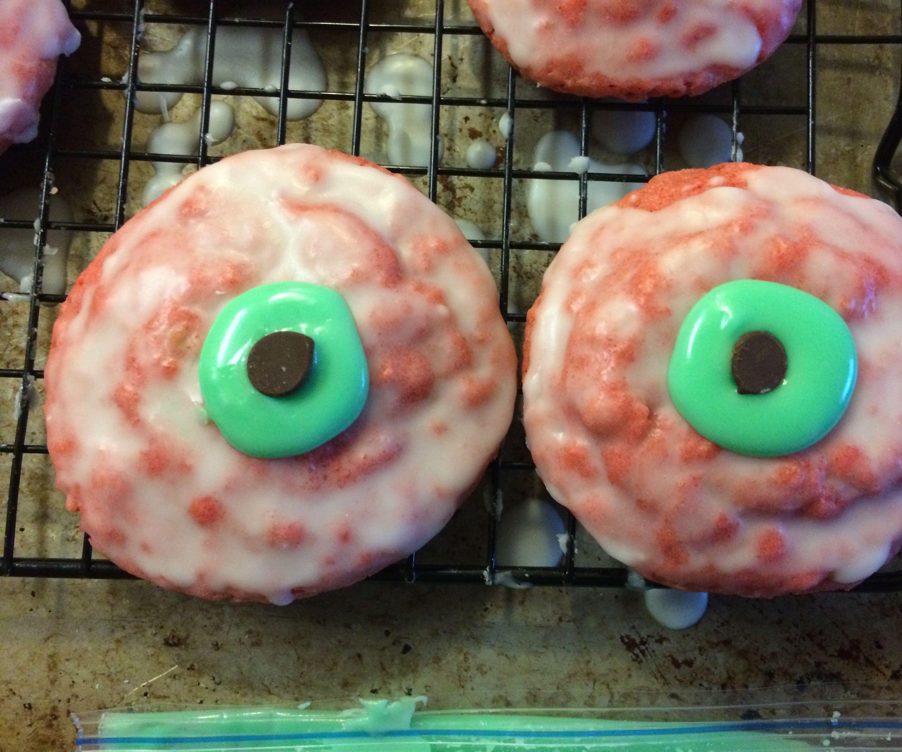 "Zombie ""Eye""-ced Oatmeal Cookies"