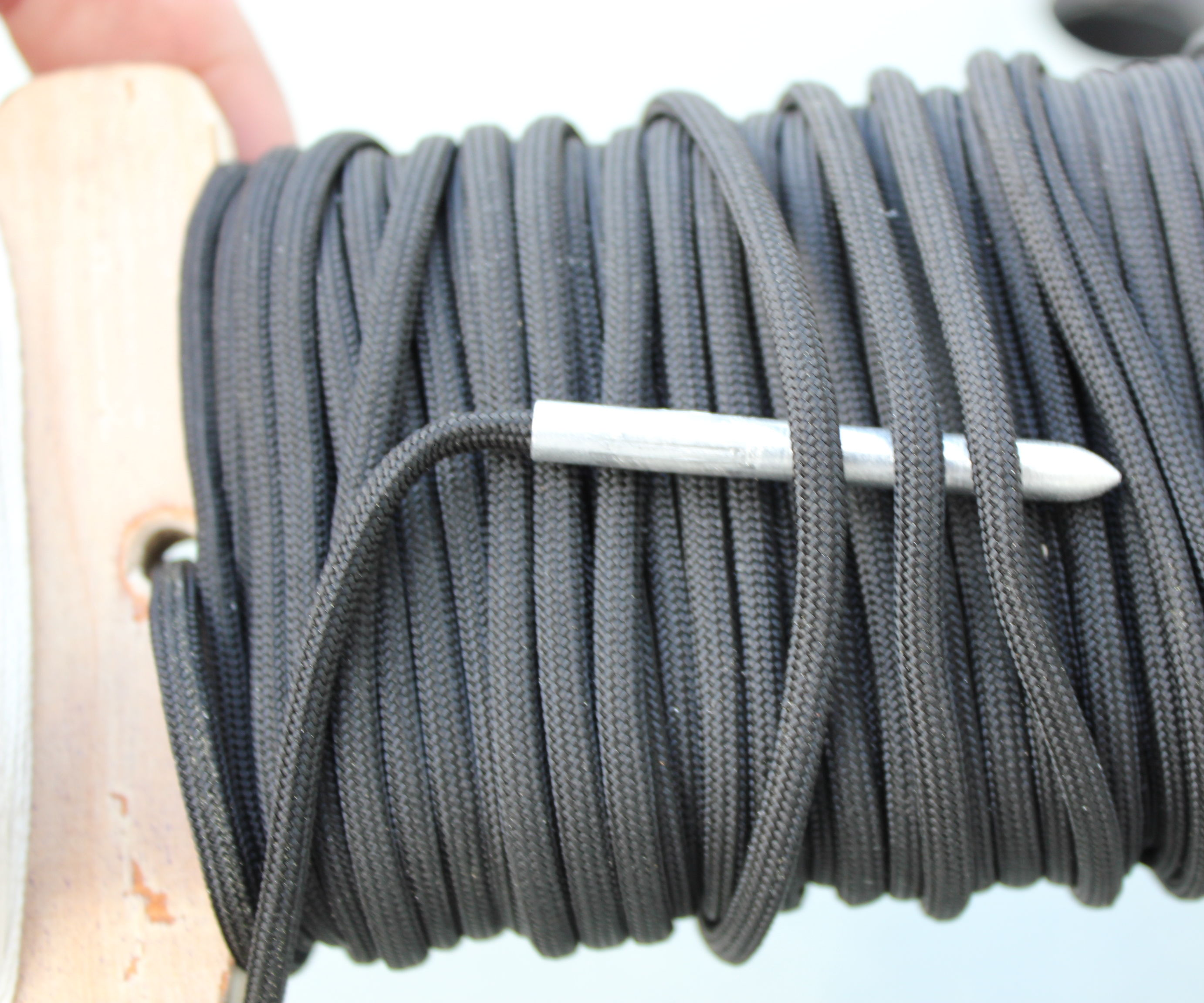 Paracord Fid