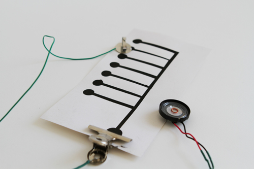 Building a Noise Maker with Bare Paint and a 555 timer