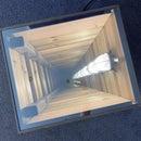 在一个小盒子里的深孔,不同的镜子上的镜子。