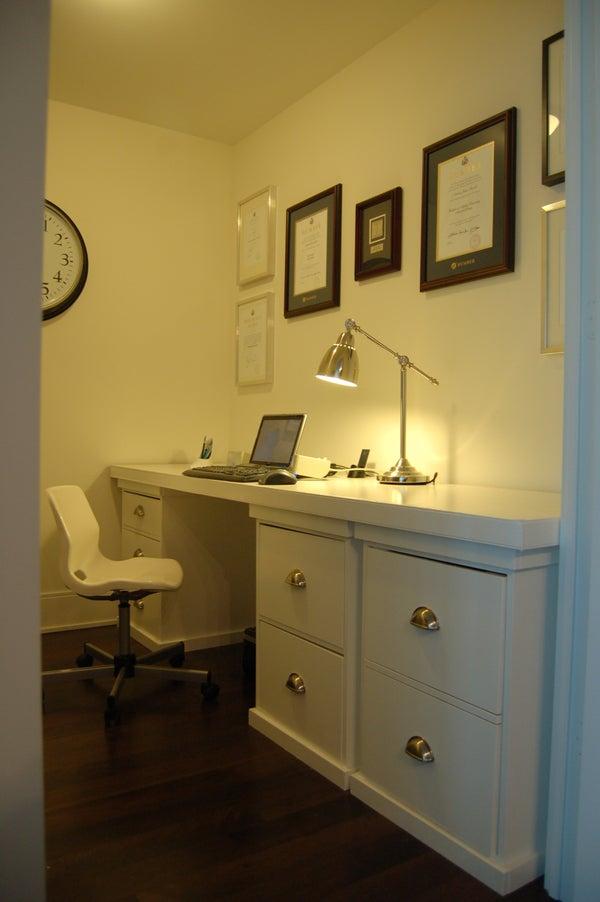 Great Looking, Inexpensive Computer Desk