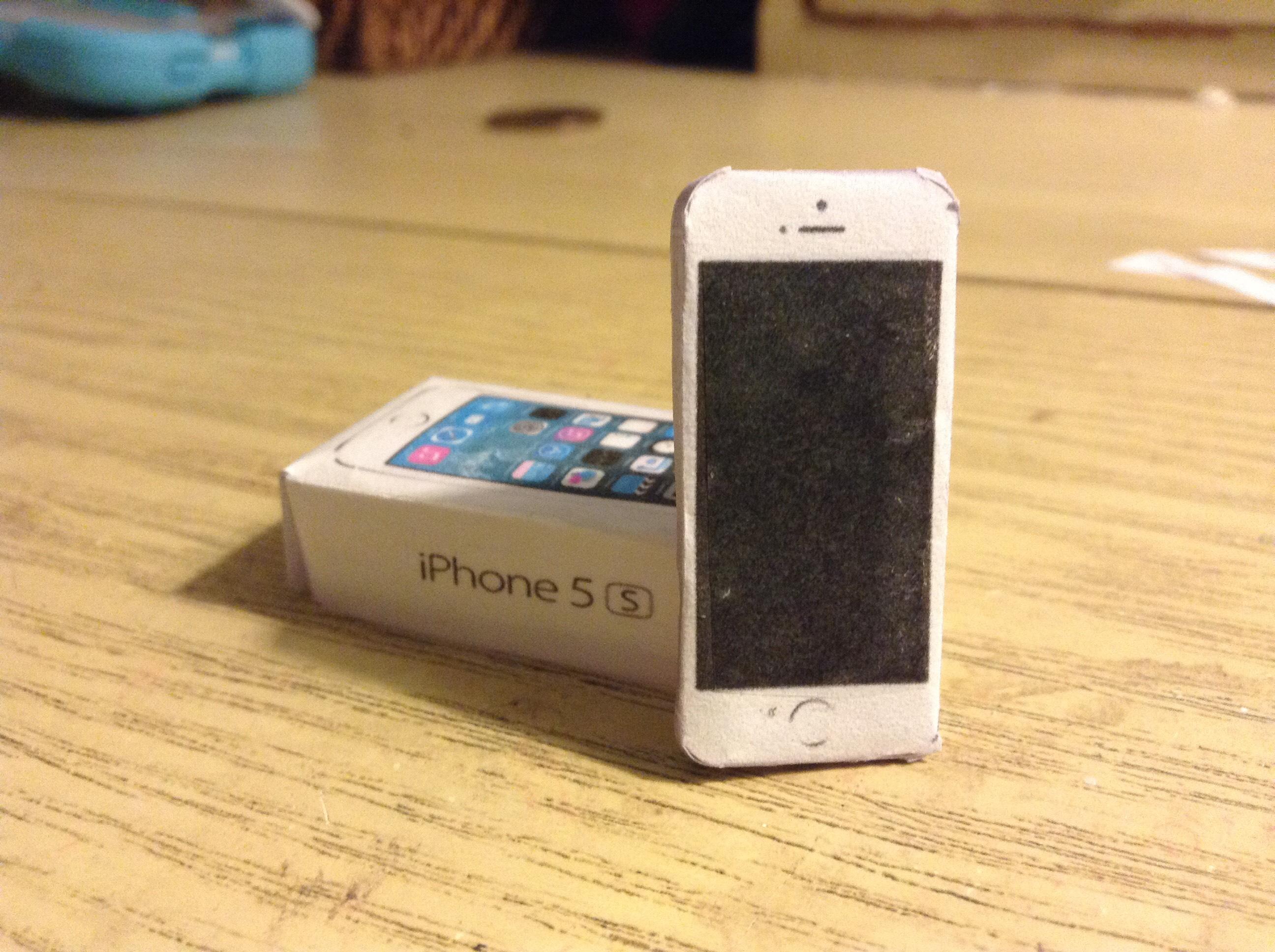 iPhone 5s Papercraft