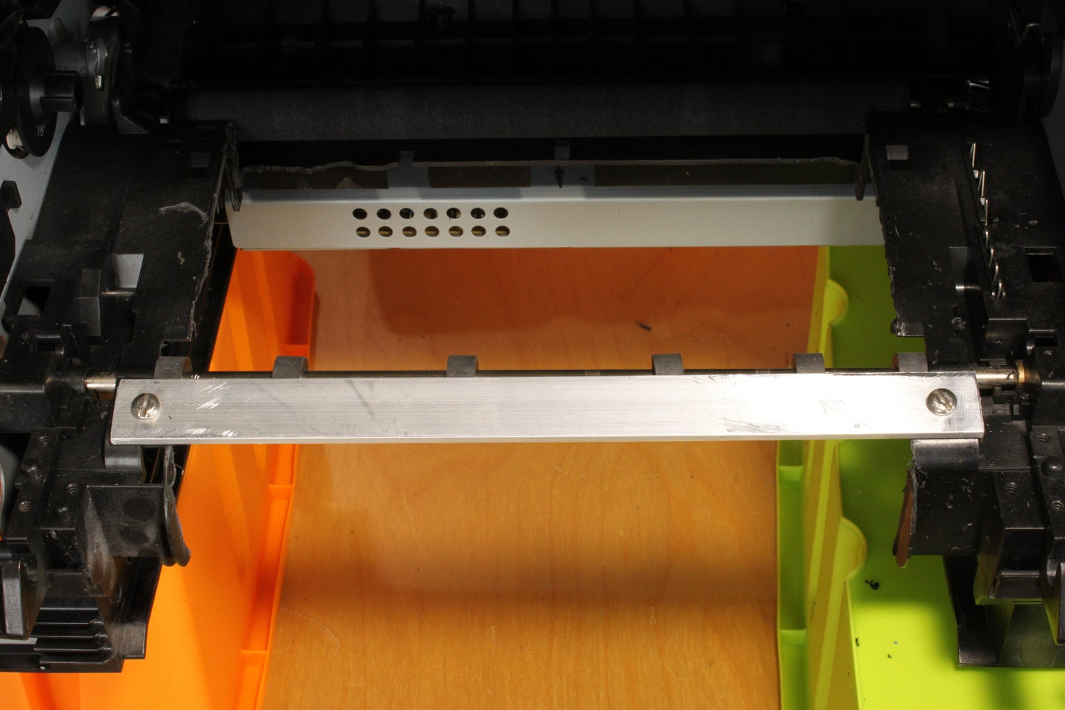 Front Carrier Support and Lateral Paper Guide