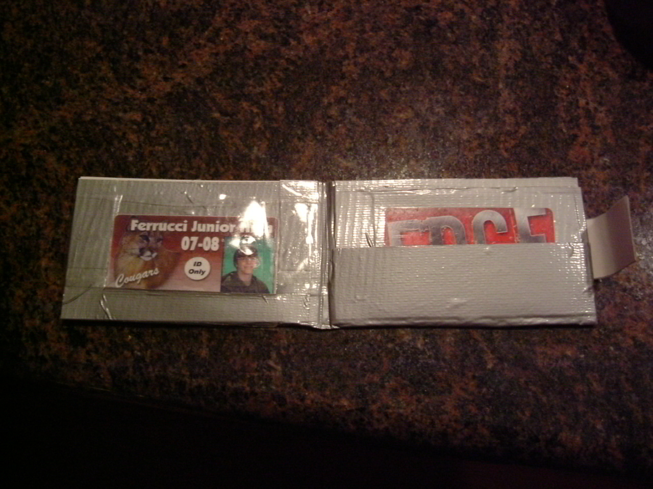 Durable (and easy!) Duct Tape Wallet
