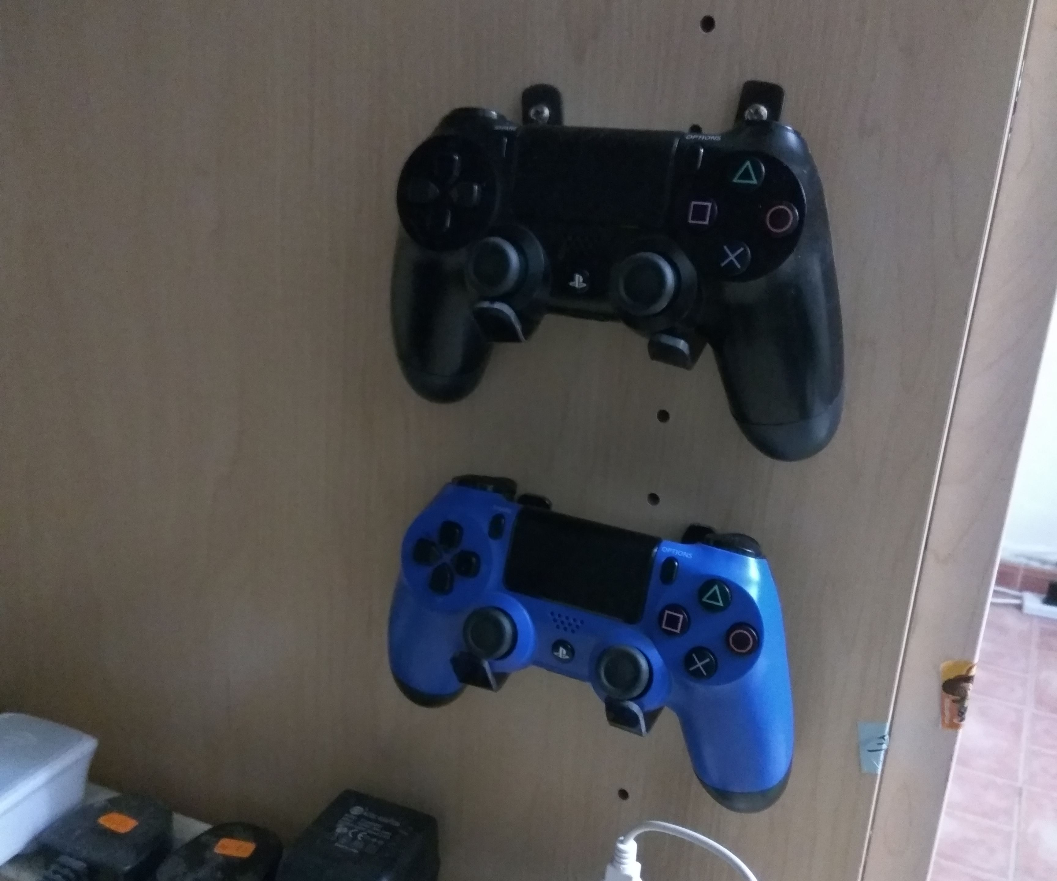Simple PS4 Controller Dock