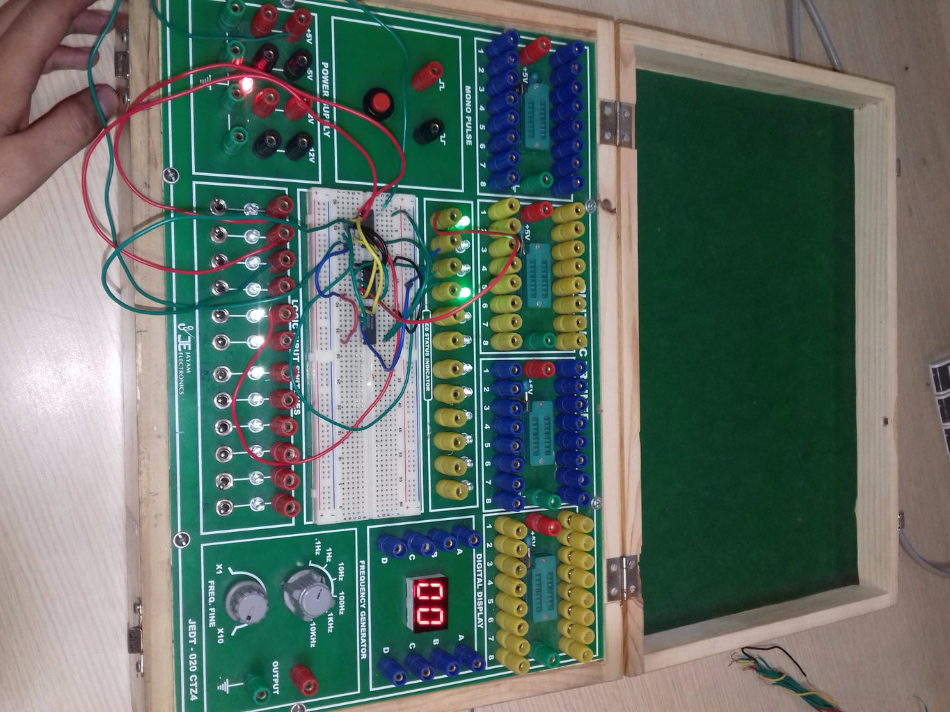 BINARY CODE CONVERTER USING 9S COMPLEMENT