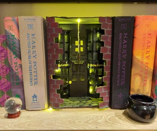 Harry Potter Bookshelf Diorama