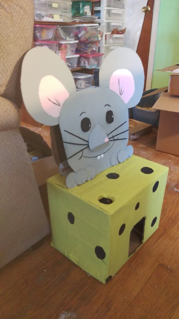 Mouse Catches Cat, Cat House