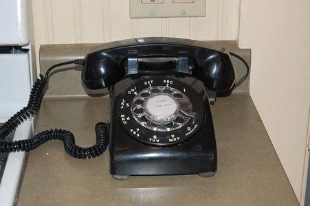 Retro Phone Phone Charging Station