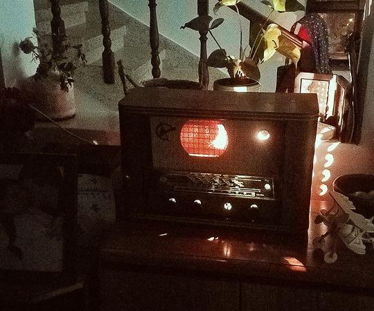 Ancient Radio to BlueTooth Stylish Speaker