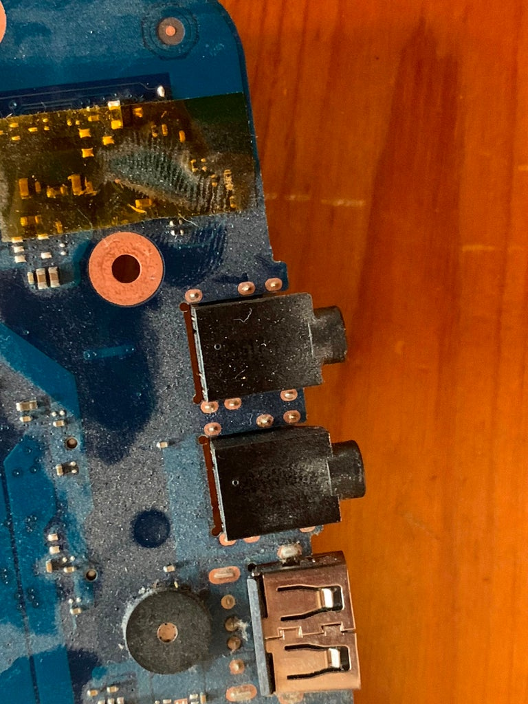 Take an Audio Tap From the Headphone Socket