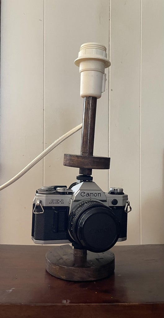 Mounting the Camera: Attach the Bottom to the Tripod Socket