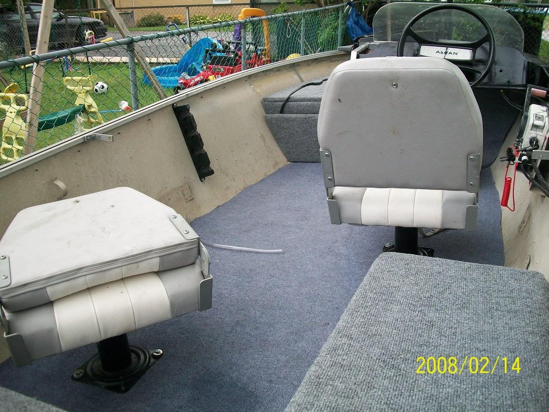Floor & Seating