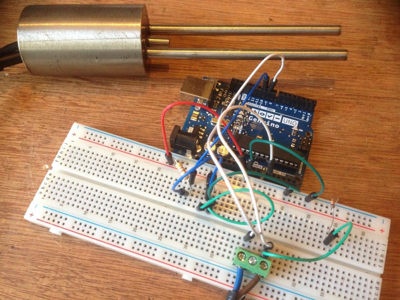 Arduino Soil Probe Using DS18B20 and DIY Moisture Hardware