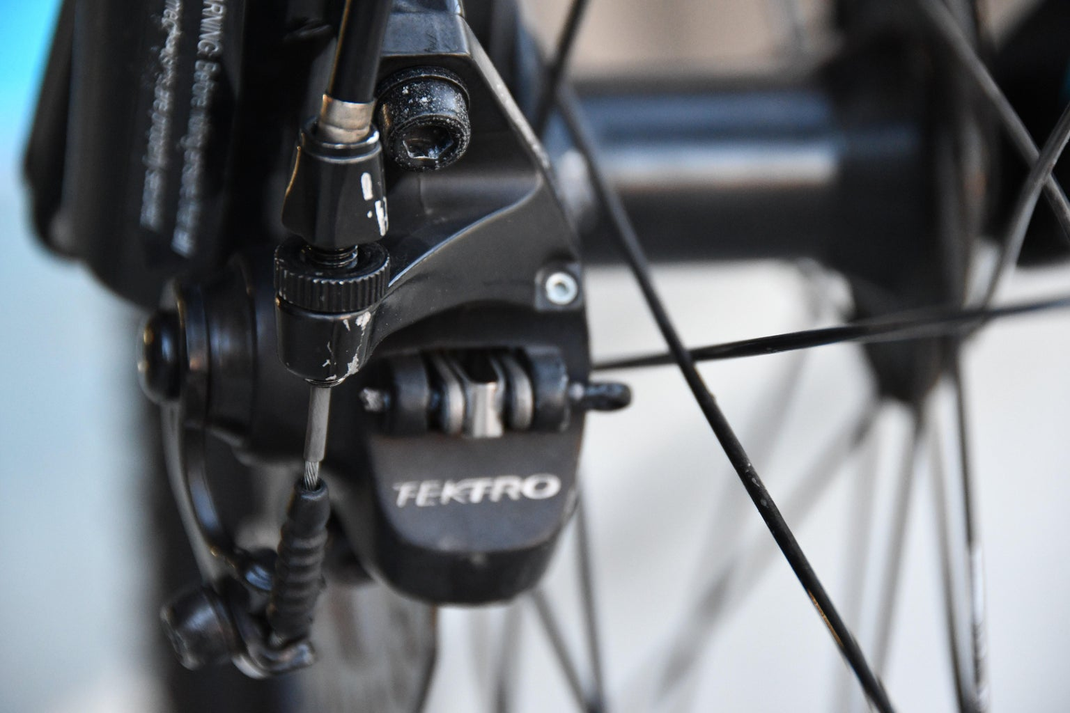 Mechanical Disc Brakes (Skip to Step 4 for V-brakes or Step 3 for Hydraulic)