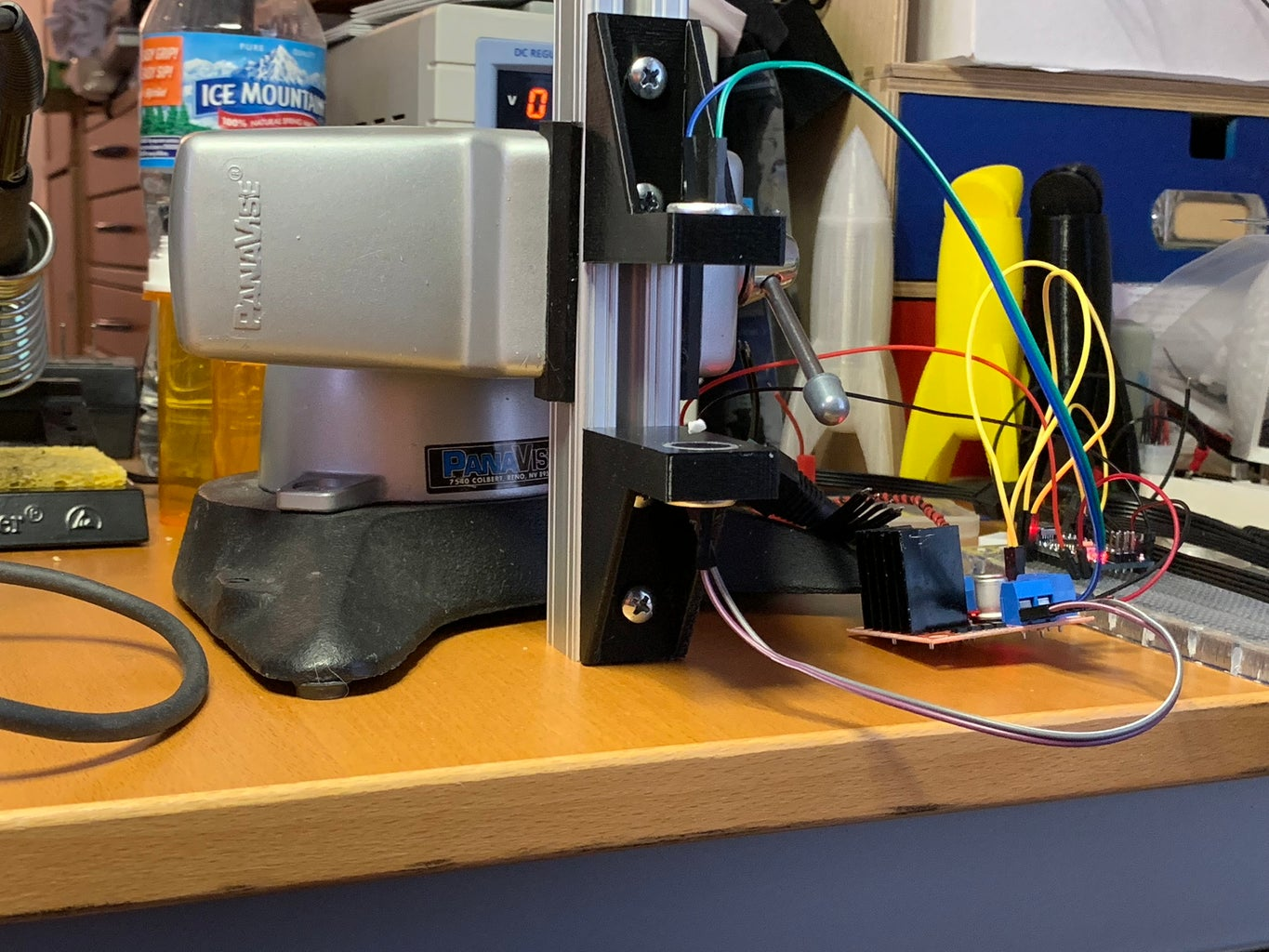 A Simple Stand for an Acoustic Levitator MiniLev