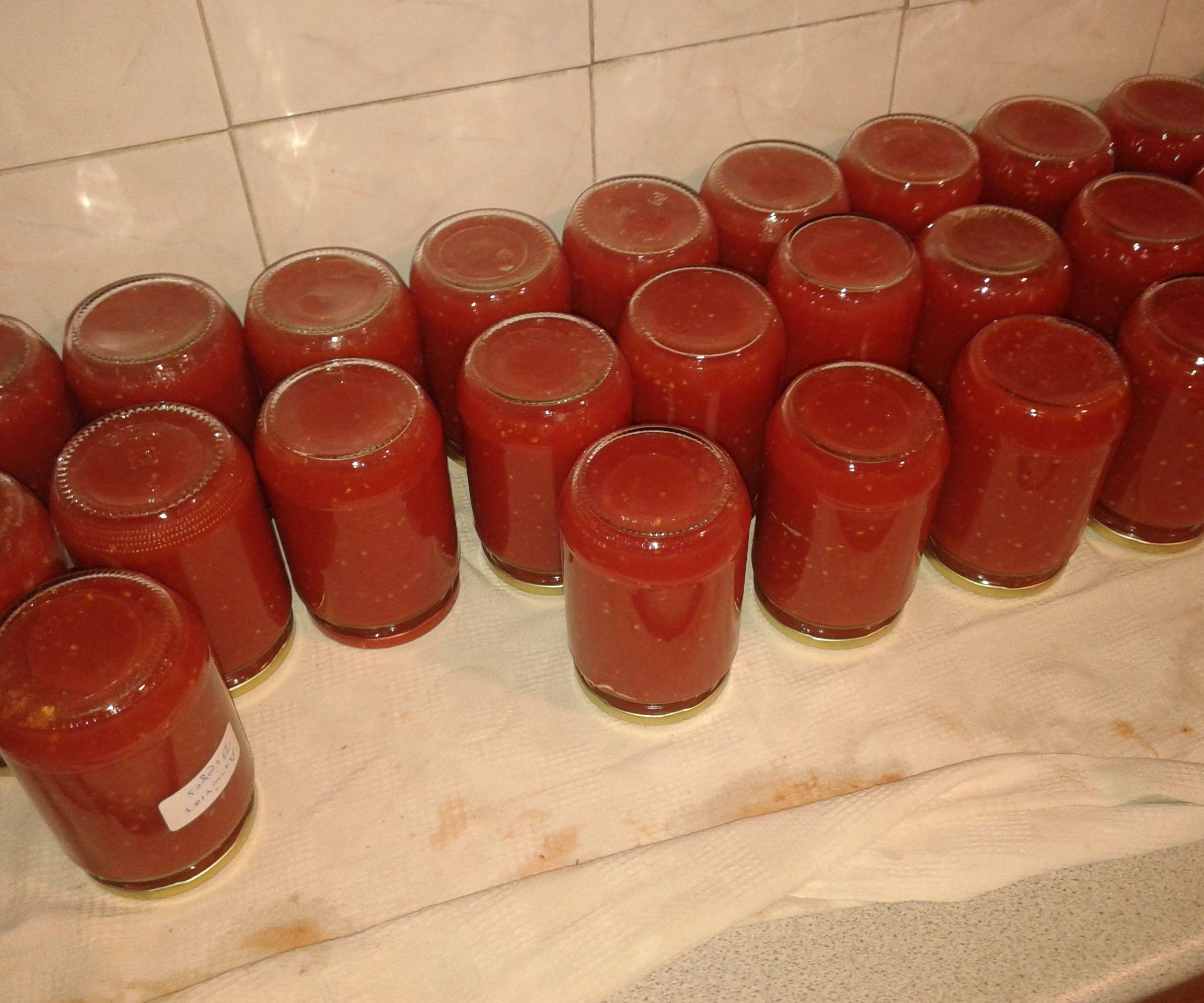My Granny's Homemade Tomato Sauce