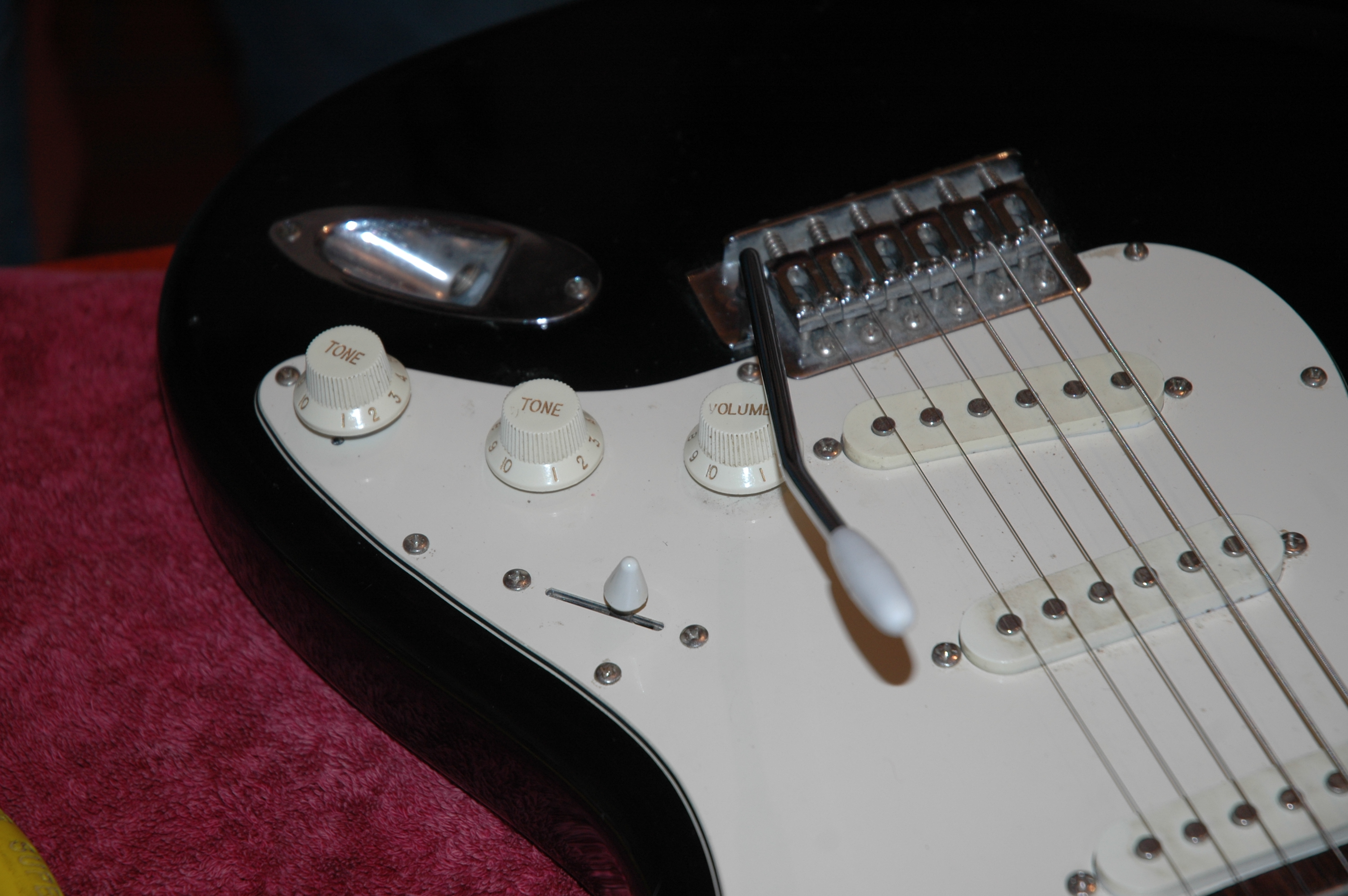 Varitone mod on Stratocaster clone guitar
