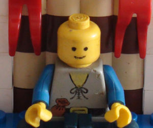How To Make A Lego Man Meditate!