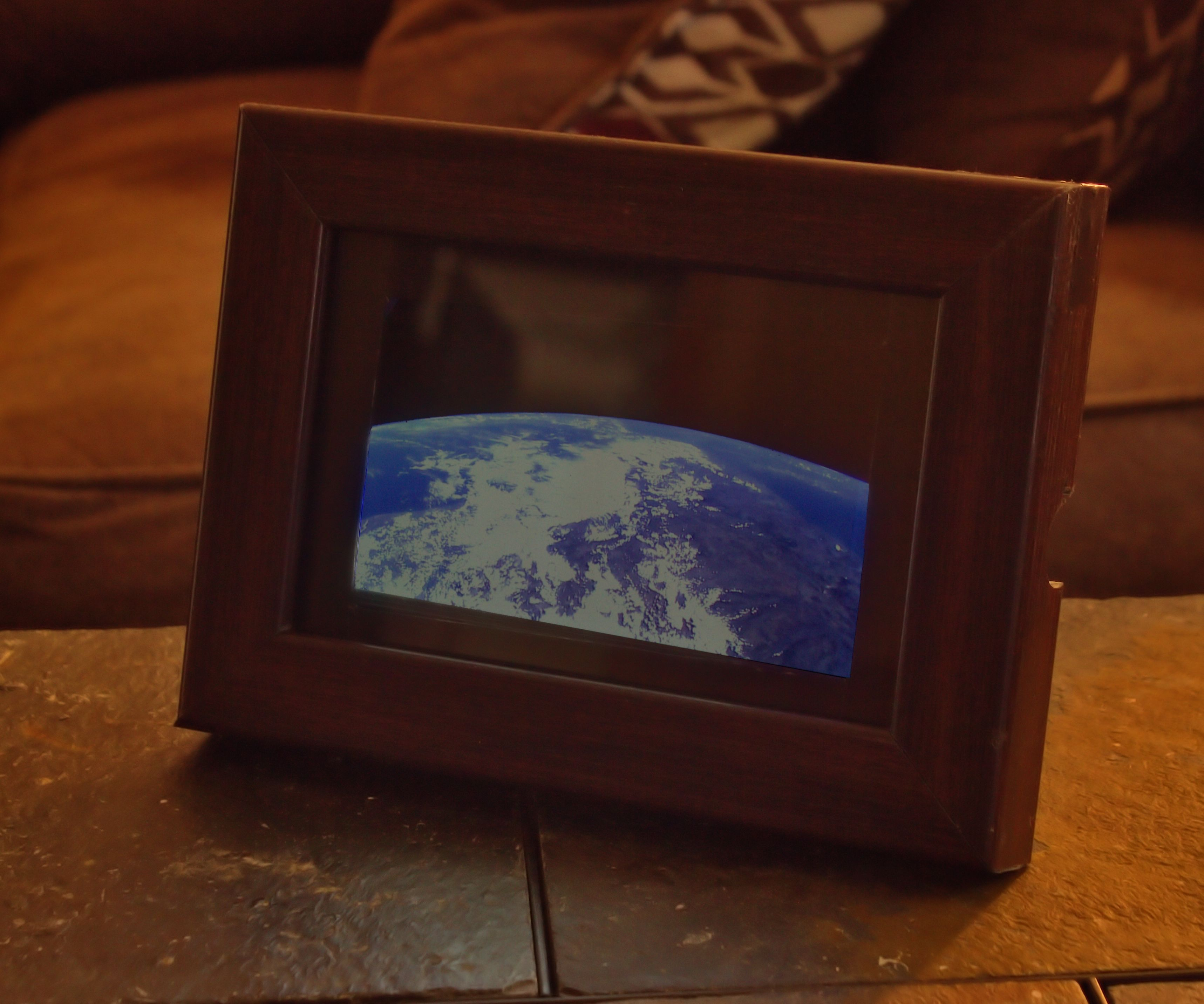 Turn an Old Phone Into Your (Live!) View From Space!