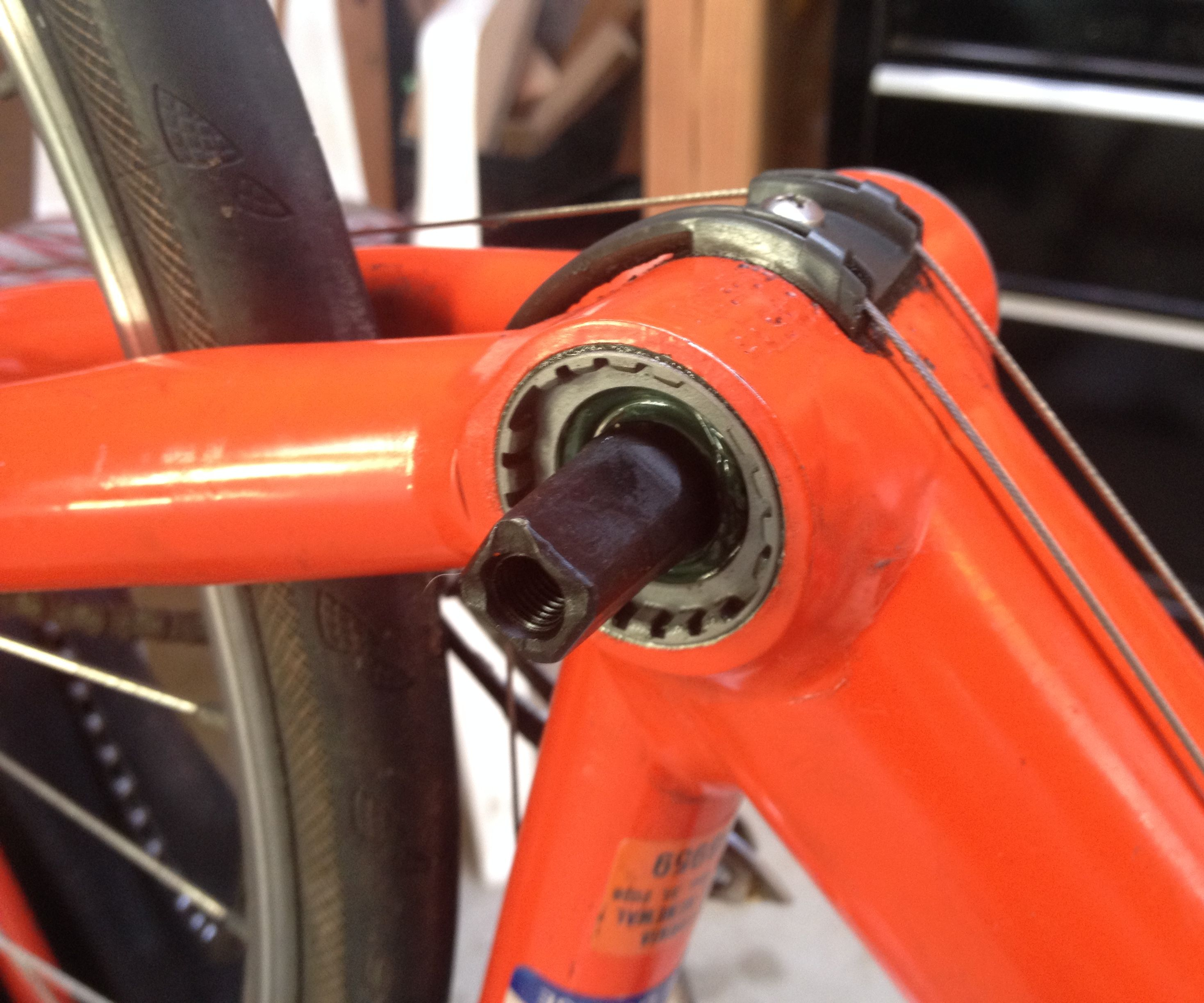 Installing Road Bicycle Bottom Bracket