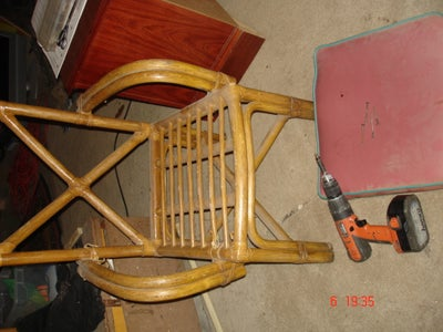 Removing the Seat From the Frame of the Chair
