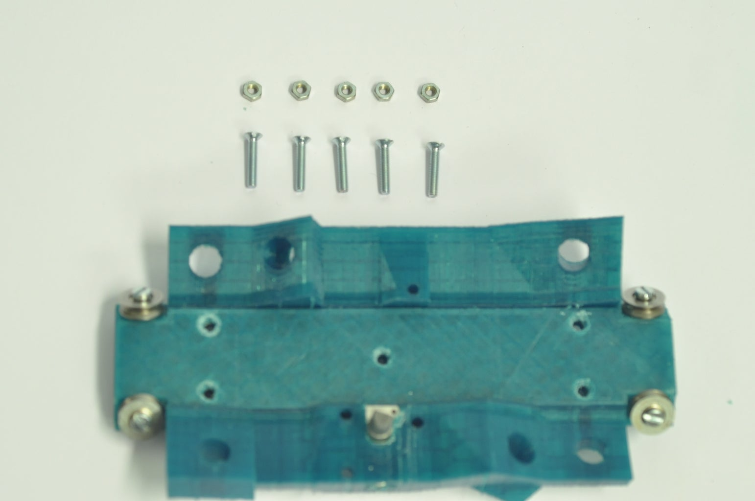 """Assemble """"top_plate_bearings"""" Part With """"top_plate"""" Part"""