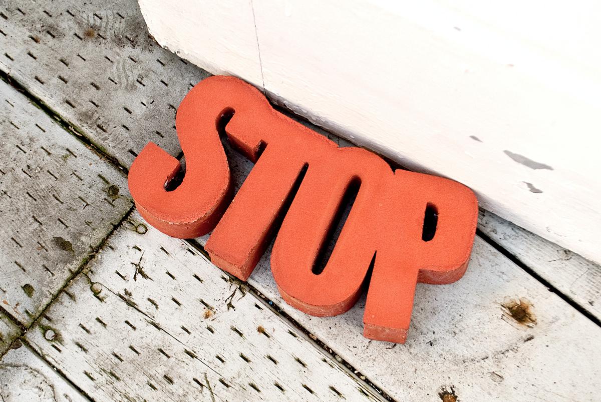 DIY CONCRETE:: Door Stop