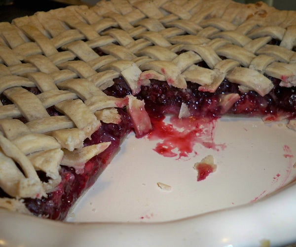 Trista's Marvelous Mulberry Pie (With Blackberries)