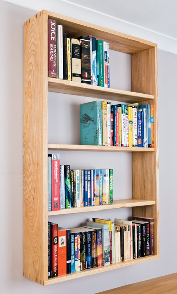 Make a cabinet using dovetails
