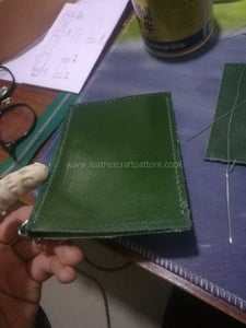 Fold Inner Zipper Pouch Leather and Stitch the Bottom Stitching Line.