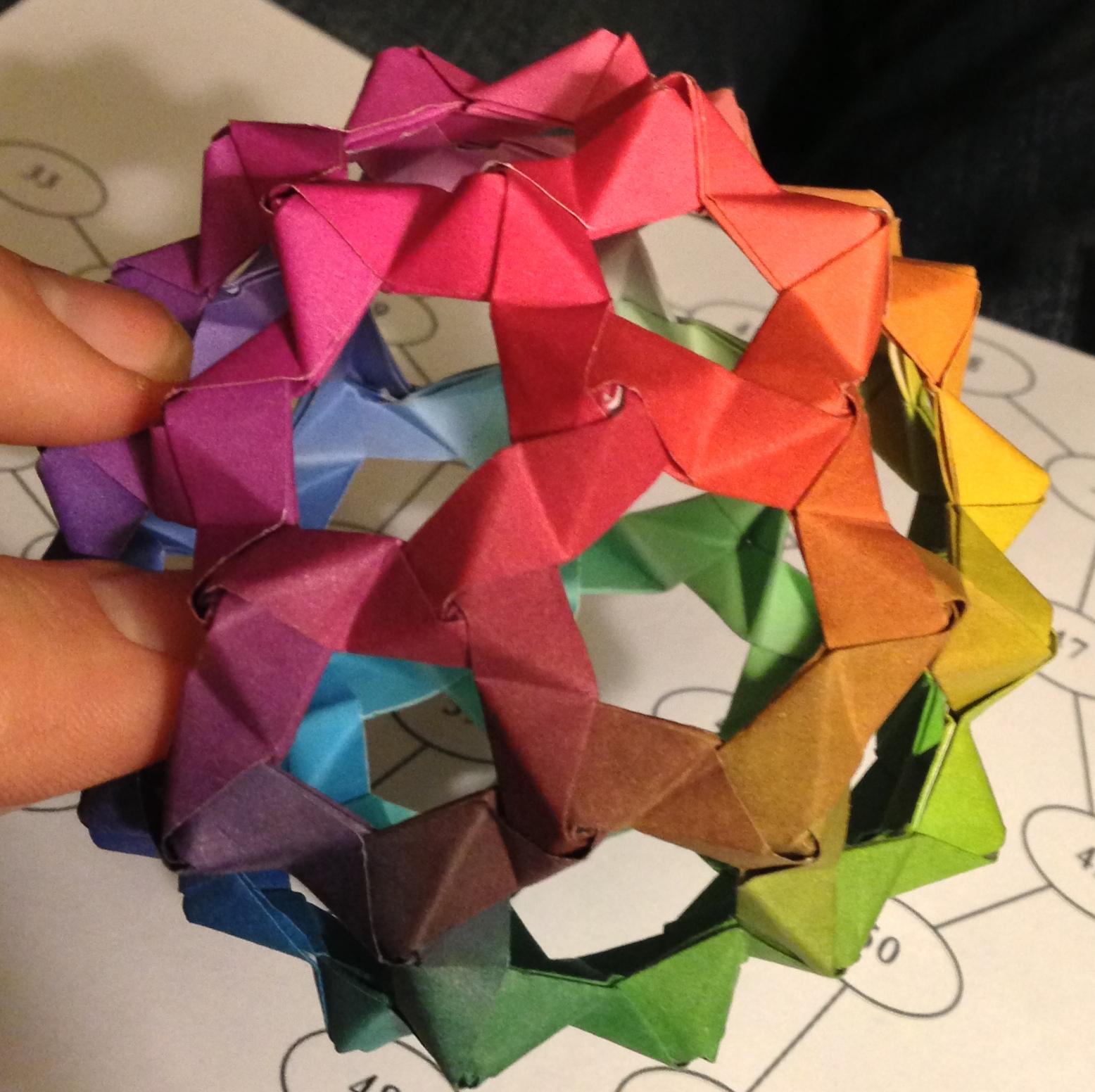 Make the Raibow PHiZZ Origami Buckyball!