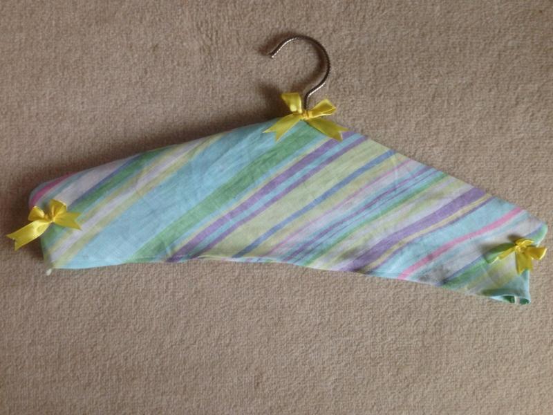 Secret Pocket / Clothes Hanger