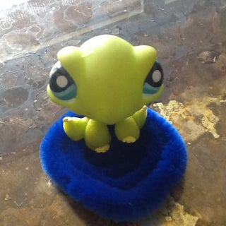 Miniature Rug (Dollhouse Craft)