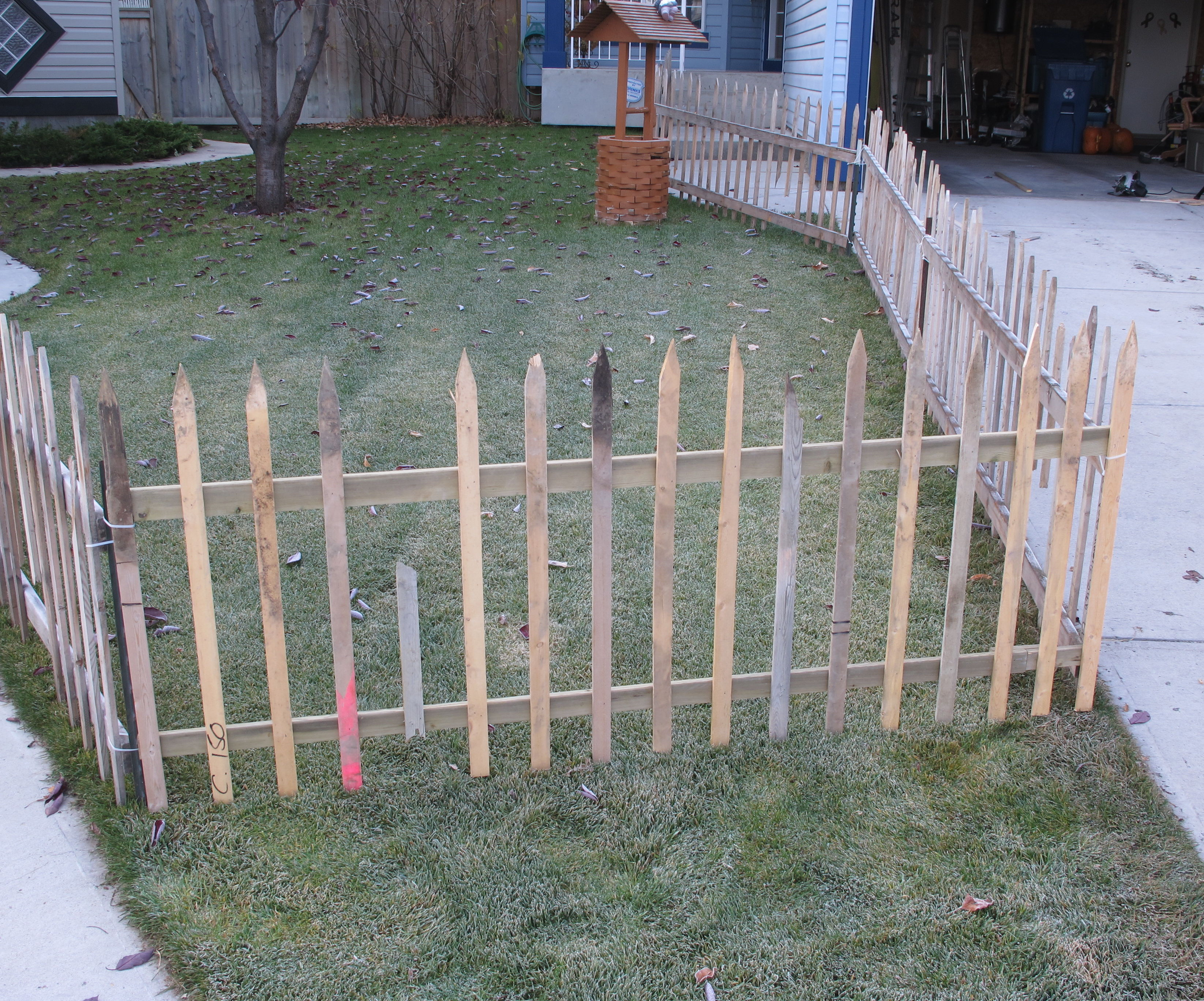Halloween fencing made out of recycled materials