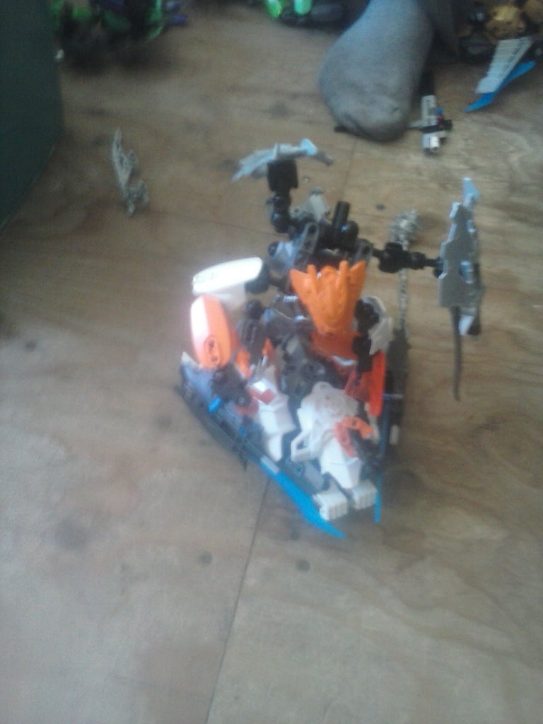 Herofactory Bioformer #2 and #2.5 Saberin and Icerin
