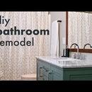 Remodelación de baño de bricolaje // Cómo instalar un inodoro y tocador, construir un marco de espejo