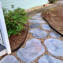 DIY Concrete Stepping Stones That Look Natural