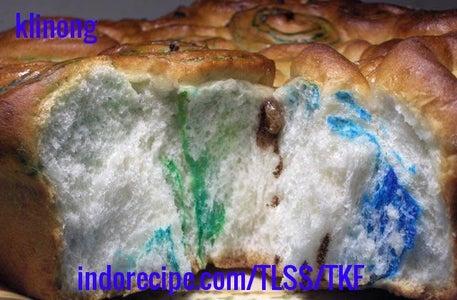 Pull Apart Sweet Rainbow Bread
