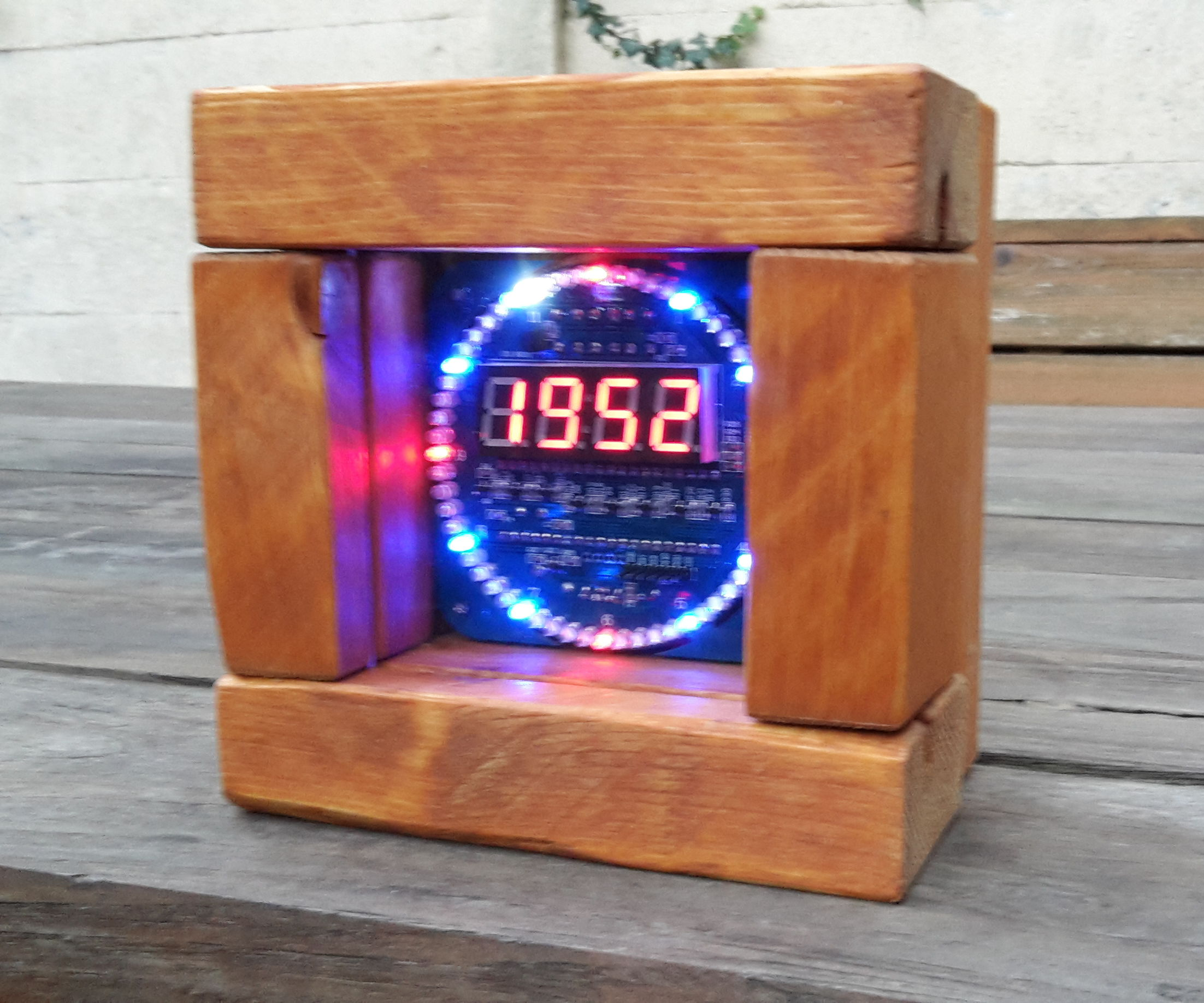 Custom wooden case for DIY Ebay DS1302 rotating clock